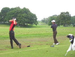 Canadians Nick Taylor & Mike Weir on the range at Glen Abbey.